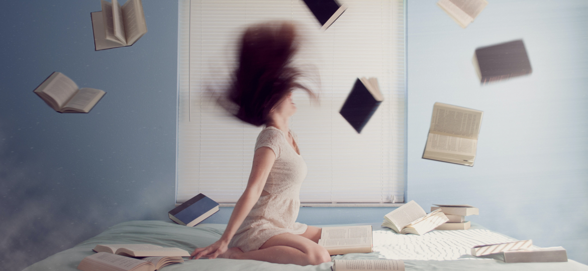 bed-books-study-girl