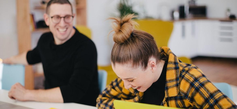 온라인 영어 학습에 대해 동기부여를 유지하는 10가지 방법