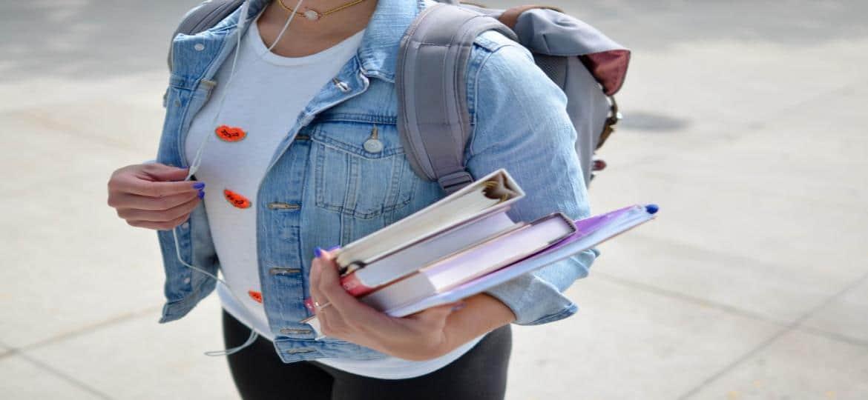 DELE Spagnolo: Costo, scadenza e informazioni sul DELE Escolar