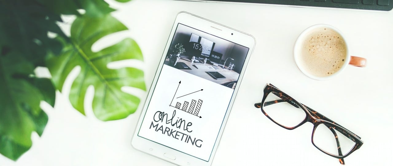 online marketing guide on a tablet